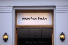 アビー・ロード・スタジオを見学できるアプリ登場