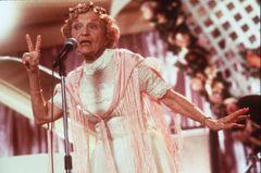 『ウェディング・シンガー』のラップおばあちゃん、101歳で死去