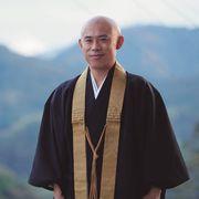 伊藤淳史、お坊さん役で主演!住職がつづった実話を映画化