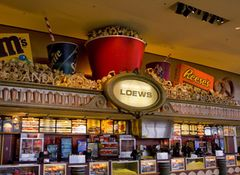 1年以内に映画館に行った人は全体の35.9%…減少傾向の中でも最も低い数字に
