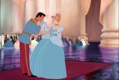 ディズニー、『シンデレラ』王子様にフォーカスした実写映画を製作へ