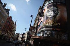 ミュージカル「レ・ミゼラブル」で初の黒人ジャン・バルジャンを演じた21歳俳優が急死