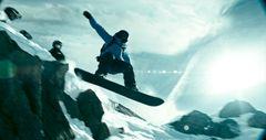 スノーボーダーが絶壁を時速100kmで滑走する超スゴ映像公開!