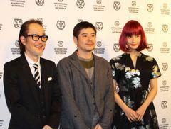 橋本愛、赤髪ウイッグ姿で海外映画祭に登場