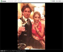 加藤紗里、狩野英孝と出会ったころの2ショット写真を公開