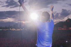 最新ライブシーンも!ブラーのドキュメンタリー映画、6月公開!