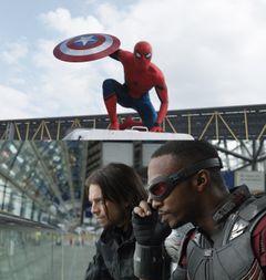スパイダーマン、余裕のおしゃべりを披露する『シビル・ウォー』アクションシーン!