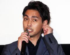 """柳楽優弥、鈴木亮平の""""おいなりさん""""2回食らう"""