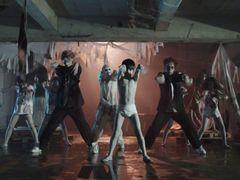 貞子&伽椰子、踊り狂う!なんとバンド結成