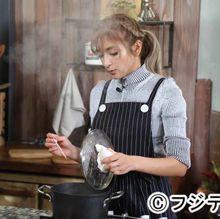 ローラ、「めざまし」料理コーナー担当に!裏番組のもこみちに対抗意識
