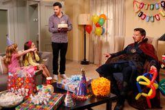 誕生日会に余興として雇われたドクター・ストレンジ、生意気な子供を消す