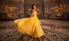 エマ・ワトソン版ベルの美しいダンスシーン!実写版『美女と野獣』日本版予告が公開