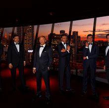 『007』歴代ボンドの等身大フィギュアがニューオータニを聖地巡礼!