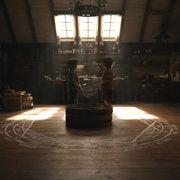禁断の人体錬成がついに実写で…ハガレン映画・エド&アルの子供時代!