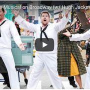 ヒュー・ジャックマン、横断歩道でゲリラミュージカル!