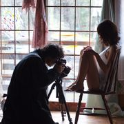 安藤政信、伝説のアンリ・マッケローニをモデルにした写真家に