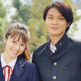 今田美桜、磯村勇斗の制服姿!月9「SUITS」兄妹ショットに絶賛集まる