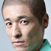 佐藤隆太、丸刈り姿が公開 「手紙」で亀梨和也の兄に