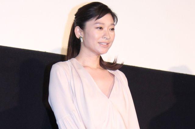篠原涼子、自身初の主演女優賞受賞にびっくり!「倒れそうに」