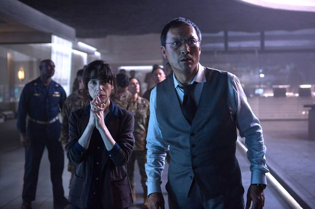 オタクが怪獣と世界の橋渡しに モナークのグラハム博士(サリー・ホーキンス)と芹沢博士(渡辺謙)