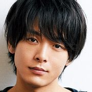 中村倫也、腕にタトゥーの人たらしに 「凪のお暇」でヒロインの隣人役