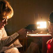 菅田将暉がYOSHIに銃を…!過激作『タロウのバカ』場面カットが公開