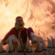 ローマ法王がブチギレ、手榴弾をぶっ放す!『アイアン・スカイ/第三帝国の逆襲』本編映像