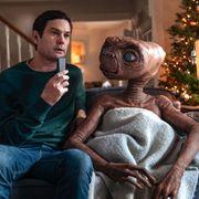 "E.T.とエリオット少年が37年ぶりに再会!感動的な""続編""が公開"