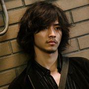 山崎賢人の憂いを帯びた表情…『劇場』場面カット公開