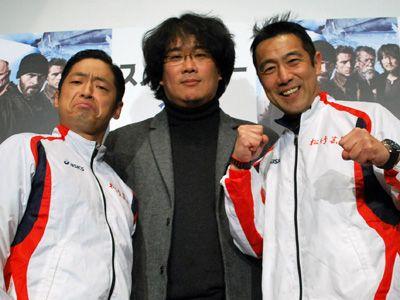 (左から)団長安田、ポン・ジュノ監督、森脇健児
