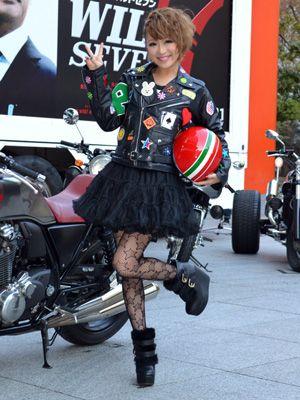 モデルの鈴木奈々、「バイク好きの彼氏と一緒に観たい!」