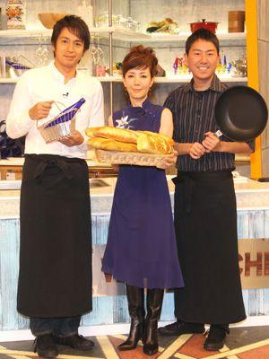 すっかり意気投合しました! -(左から)徳井義実、戸田恵子、福田充徳