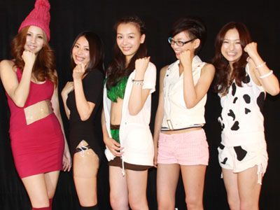 全員超かわいい!-左から、葵マリカ、福園彩花、米村美咲、江波戸ミロ、杜野まこ