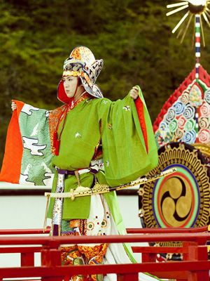 劇中、生田演じる光源氏と共に青海波を舞った頭の中将役の尾上松也