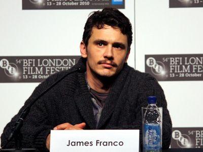 腕を切り落として生還した登山家を演じるジェームズ・フランコ