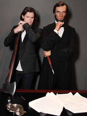 エイブラハム・リンカーンを演じるベンジャミン・ウォーカー