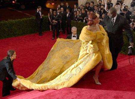 メットガラ ドレスをまとった美術館