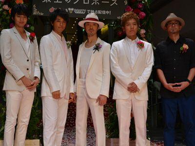 (左から)向井理、斎藤工、金子ノブアキ、小出恵介、青山真治監督