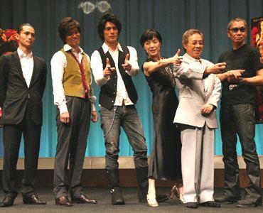 左から、安藤政信、佐藤浩市、伊藤英明、桃井かおり、北島三郎、三池崇史