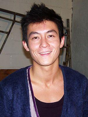 笑顔のエディソン・チャン