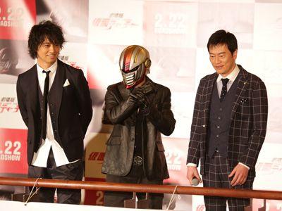 (左から)斎藤工、仮面ティーチャー、遠藤憲一