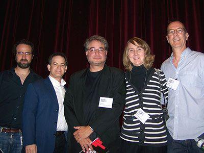 左からアンドリュー・ワイスブラム、マイケル・バーレンバウム、アンドリュー・モンドシェイン、スーザン・E・モース、ジョー・クロッツ