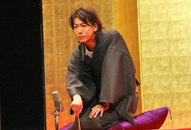 30歳の誕生日イベントで古典落語「死神」を披露した佐藤健