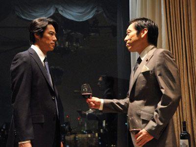 こちらは尾形(堤)と伊達(香川)の対峙シーン-映画『SP THE MOTION PICTURE 野望篇』より