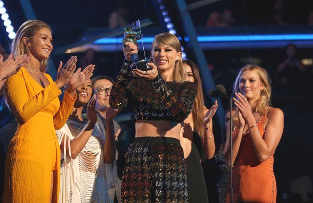 2015年MTVビデオ・ミュージック・アワードでは4冠を達成したテイラー
