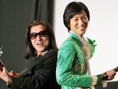 元チェッカーズの武内享(左)と山内惠介(右)