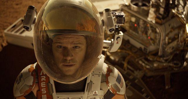 マット・デイモンが演じた宇宙飛行士並みにしぶとく4度目の首位! - 映画『オデッセイ』より