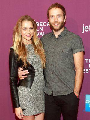 現在妊娠中のテリーサ・パーマー(左)とマーク・ウェバー