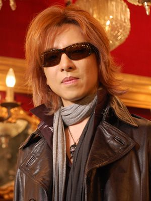 アメリカのラジオ界に進出するYOSHIKI-写真は音楽プロデューサーを務めた映画『REPO! レポ』囲み会見時のもの