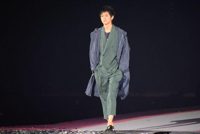 「GirlsAward 2015 SPRING/SUMMER」にサプライズ登場した松坂桃李